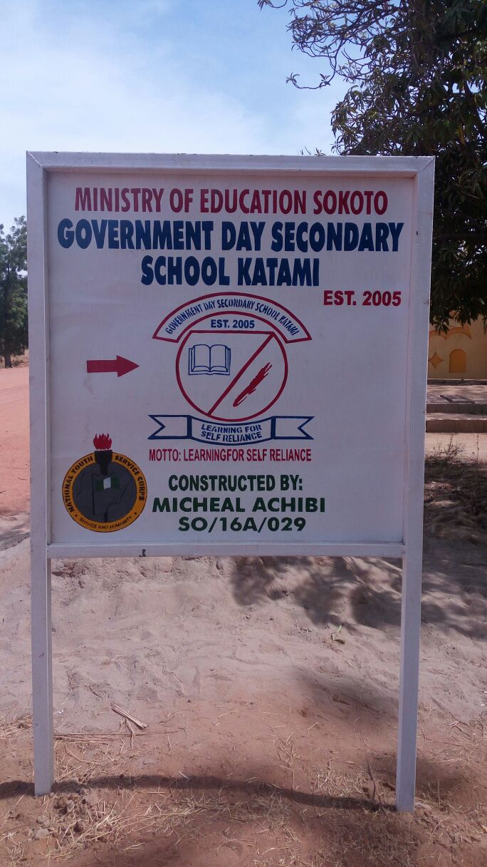 Micheal Achibi constructs signpost for GDS School Katami